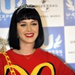 Katy Perry in Giappone veste Moschino023