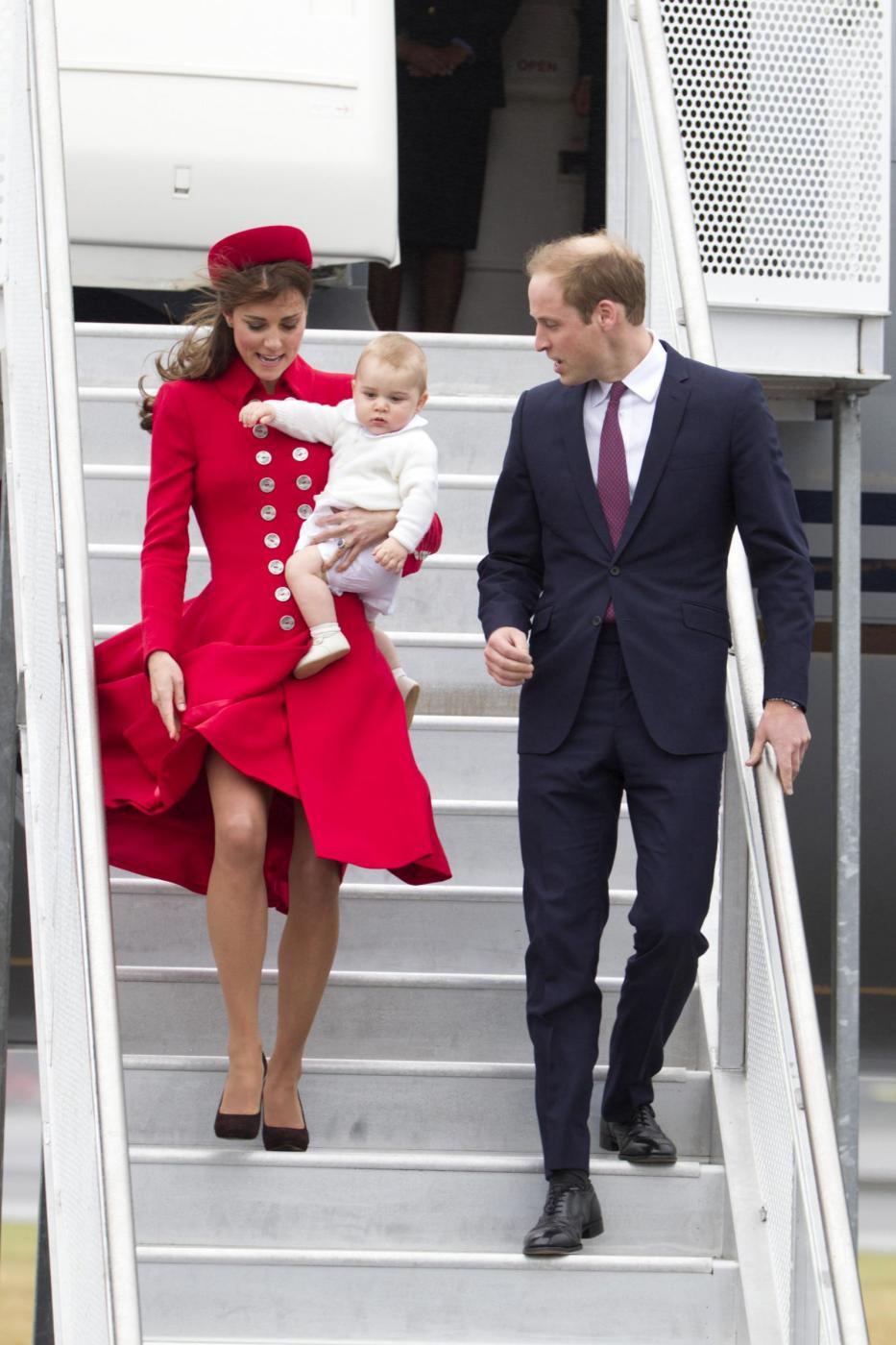 Kate Middleton Il Vento Le Alza La Gonna Blitz Quotidiano