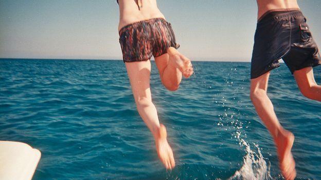 Bagno in mare dopo aver mangiato aspetta due ore solo - Bagno al mare ...