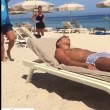 VIDEO YouTube - Antonio Cassano fa gavettone a Criscito in spiaggia 3