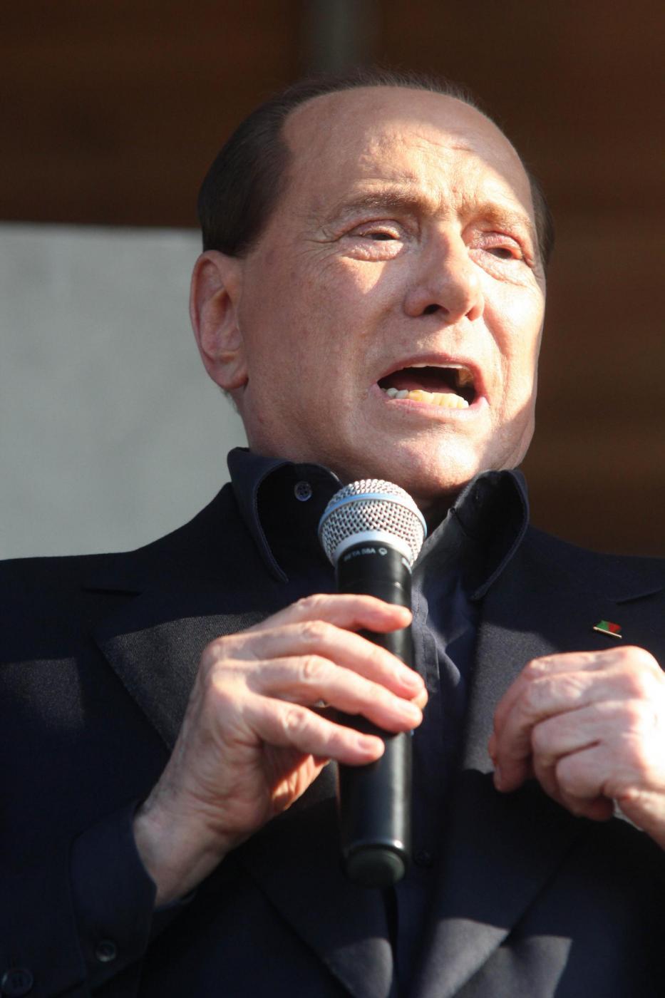 Berlusconi condannato a 3 anni per compravendita dei - Compravendita immobiliare avvocato 2015 ...