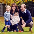 Kate Middleton, William, George e Charlotte: FOTO di Natale