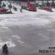 YOUTUBE Cina, camion travolge tre ragazze in scooter: illese 2