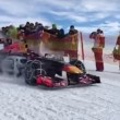 YOUTUBE Max Verstappen guida la Red Bull su neve con catene2