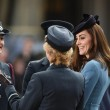 VIDEO YOUTUBE Kate Middleton in divisa militare visita Raf 04