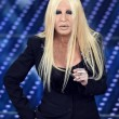 Virginia Raffaele-Donatella Versace: lifting a Sanremo FOTO