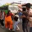 Flashmob blocca traffico in India3
