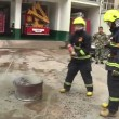 VIDEO YOUTUBE Coca cola può spegnere un incendio? 4