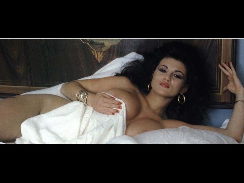 смотреть итальянские фильмы категории эротика - 12