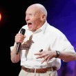 America's got talent, a 82 anni canta metal