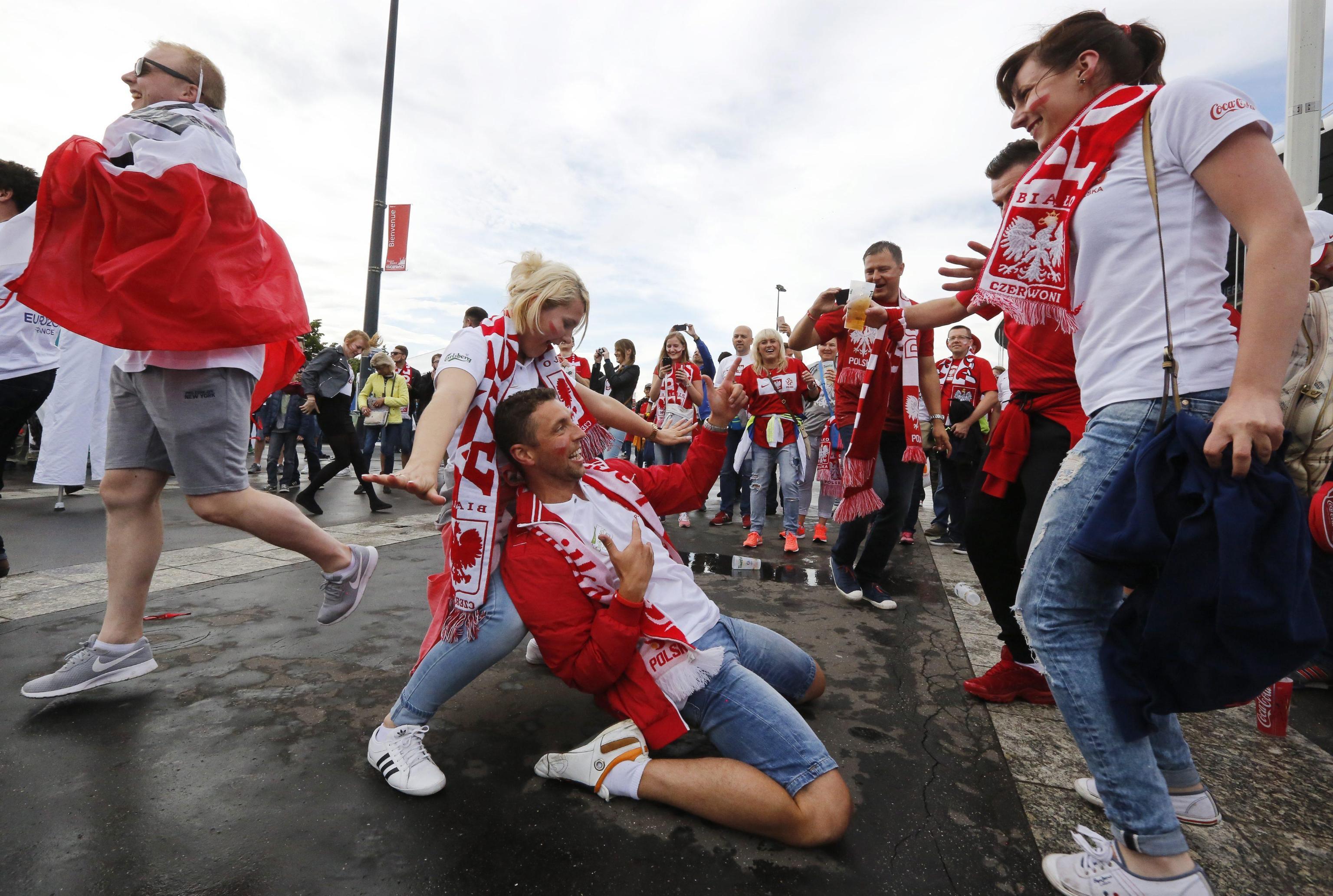 Miss germania polonia polacche battono tedesche foto - Agenzie immobiliari polonia ...