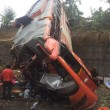 YOUTUBE India, autobus contro auto a Mumbai: 17 morti8