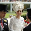 YOUTUBE Kate Middleton ad Ascot in Dolce & Gabbana