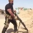 VIDEO YOUTUBE Isis trema: torna il Rambo d'Iraq Abu Azrael 2