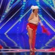 VIDEO YOUTUBE Nonna striptease: si spoglia a 90 per America's Got Talent 2