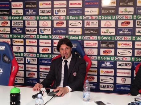 innocenzo leontini conferenza stampa cagliari - photo#21