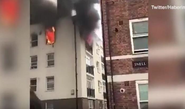 Londra nuovo incendio bruciano 2 piani e tetto di un for Piani di cabina della torre di fuoco