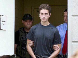 """Austin Harouff, il killer cannibale telefona dal carcere ai genitori: """"Voglio essere normale"""""""