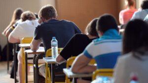 Maturità, furto di compiti: 61 studenti devono rifare la prova di matematica