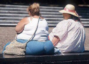 Obesità e sigarette: più studi più fumi, meno studi più ingrassi