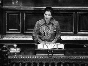 Francia. Simone Veil è morta. Sopravvissuta al lager, fu la prima donna a presiedere il Parlamento Ue