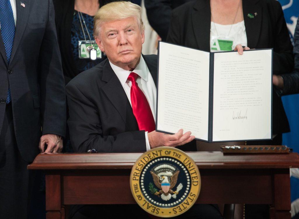 Viaggi e commercio, parziale retromarcia di Trump su Cuba