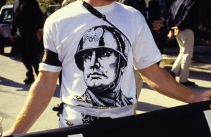 """M5S voterà no alla legge che punisce l'apologia di fascismo: """"Liberticida"""""""