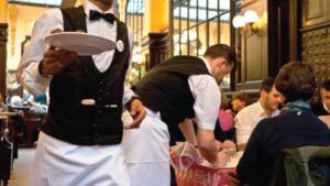 Sardegna: stop ai camerieri studenti dell'alberghiero. Tirocinio o manodopera a basso costo?