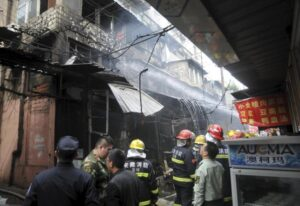 Cina, incendio in edificio a Changshu: almeno 22 morti e 3 feriti