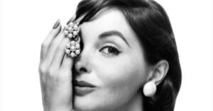 Elsa Martinelli, morta la stella del cinema che incantò Kirk Douglas e Orson Welles