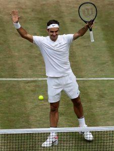 Roger Federer nella leggenda, ha vinto il suo ottavo Wimbledon (foto Ansa)