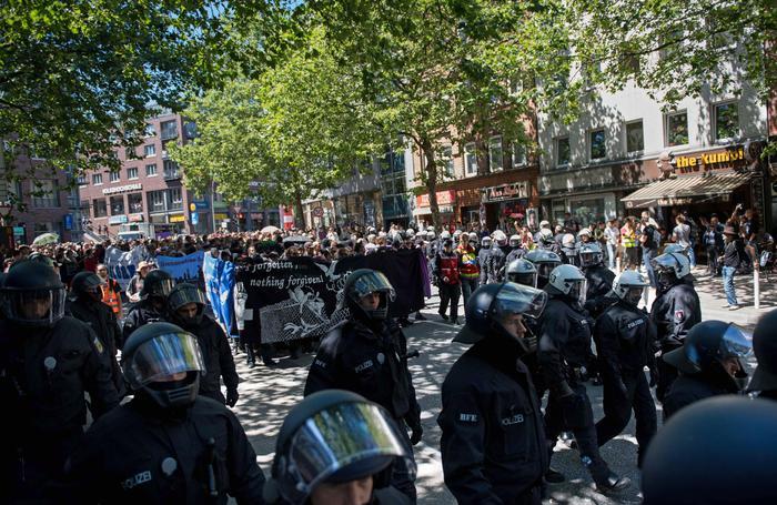G20 amburgo italiani arrestati per gli scontri 13 - Agenzie immobiliari ad amburgo ...