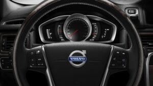 """Volvo, dal 2019 addio al motore a combustione: """"Solo auto elettriche"""""""