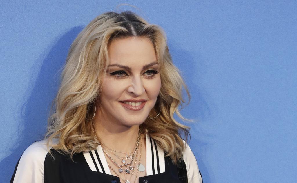Madonna blocca l'asta con i suoi effetti personali