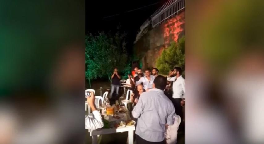 Matrimonio In Libano : Youtube libano spara con l ak al suo matrimonio e