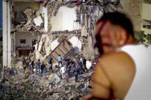 Torre Annunziata: gli 8 morti sotto le macerie. I 2 bambini, la sindacalista, l'architetto...