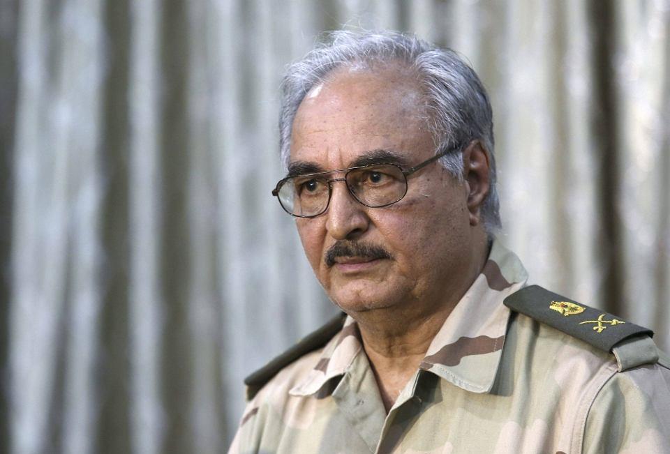Migranti: Tobruk annuncia bombarderemo navi italiane
