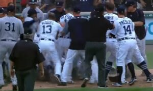 Baseball, mega rissa in campo durante match New York Yankees e Detroit Tigers