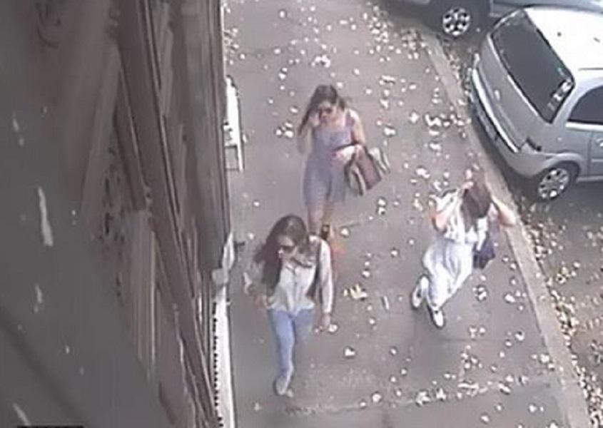 Roma ragazze nomadi che sembrano modelle e che rubano for Case che sembrano castelli