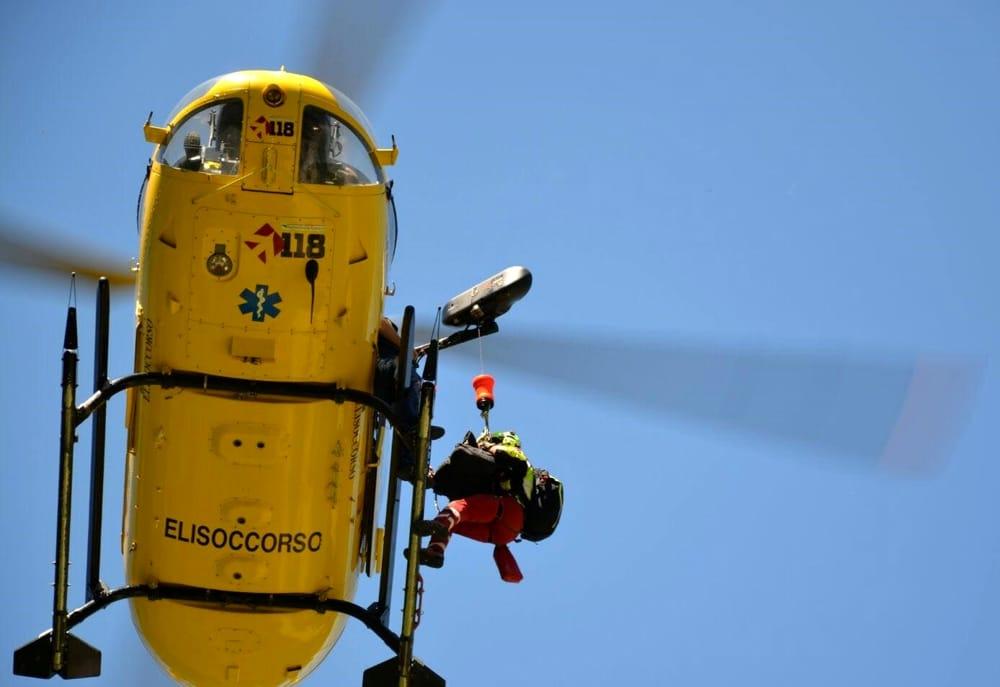 Alagna: Intervento difficoltoso per recupero di due alpinisti sulla parete Bertone