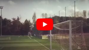 YouTube, Alessandro Diamanti gol impossibile da dietro la porta