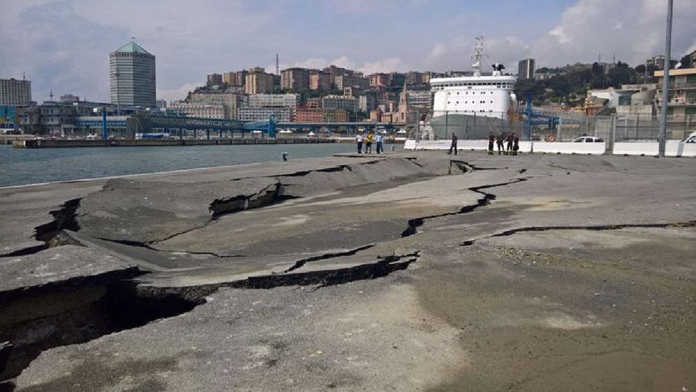 Genova, cedimento in banchina, chiuso Ponte Andrea Doria