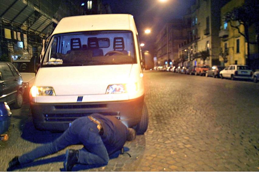 Maxi operazione anti-terrorismo della polizia Controllati oltre 27mila furgoni in tre giorni
