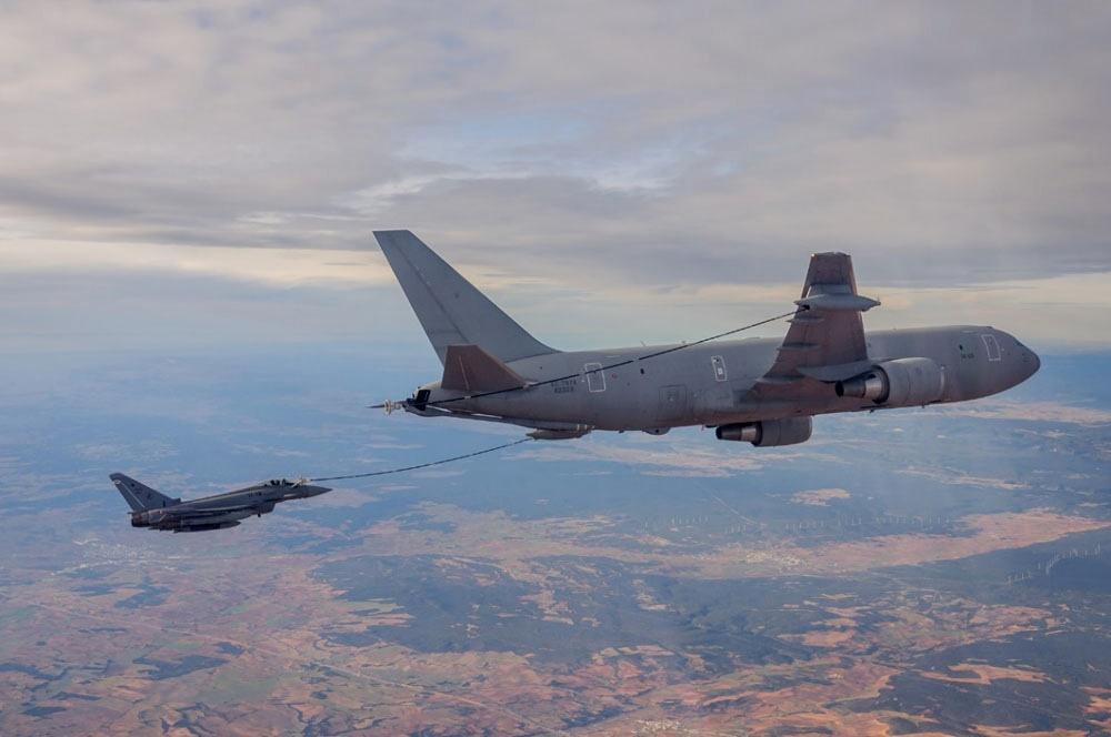 Aereo Da Caccia Italiani : Spagna aereo da caccia precipita dopo la parata morto il
