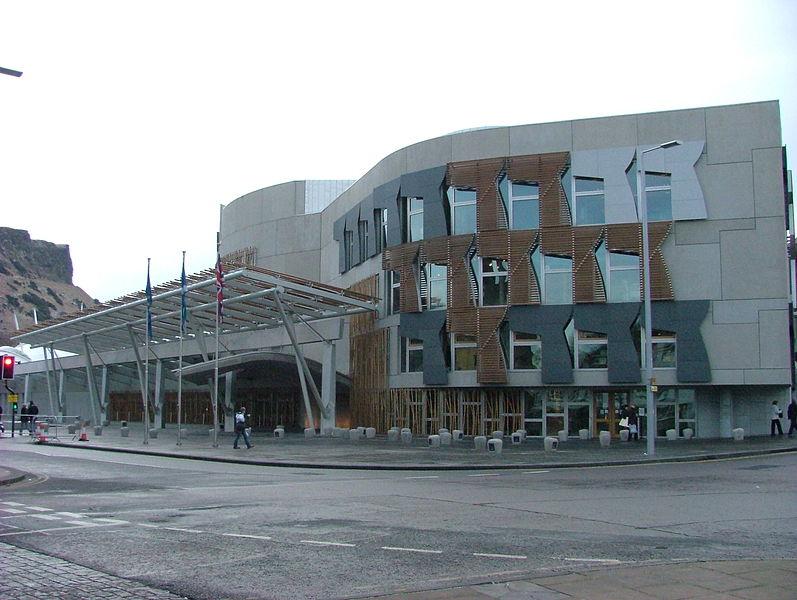 Scozia allarme in parlamento per polvere bianca sgomberato for Rassegna stampa parlamento