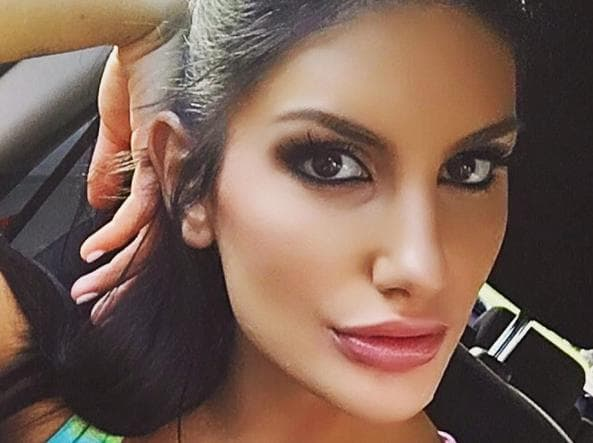 August ames l 39 ultimo messaggio su twitter prima del suicidio - Star diva futura ...
