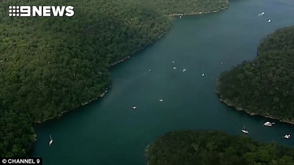 Idrovolante precipita in un fiume: ci sono vittime