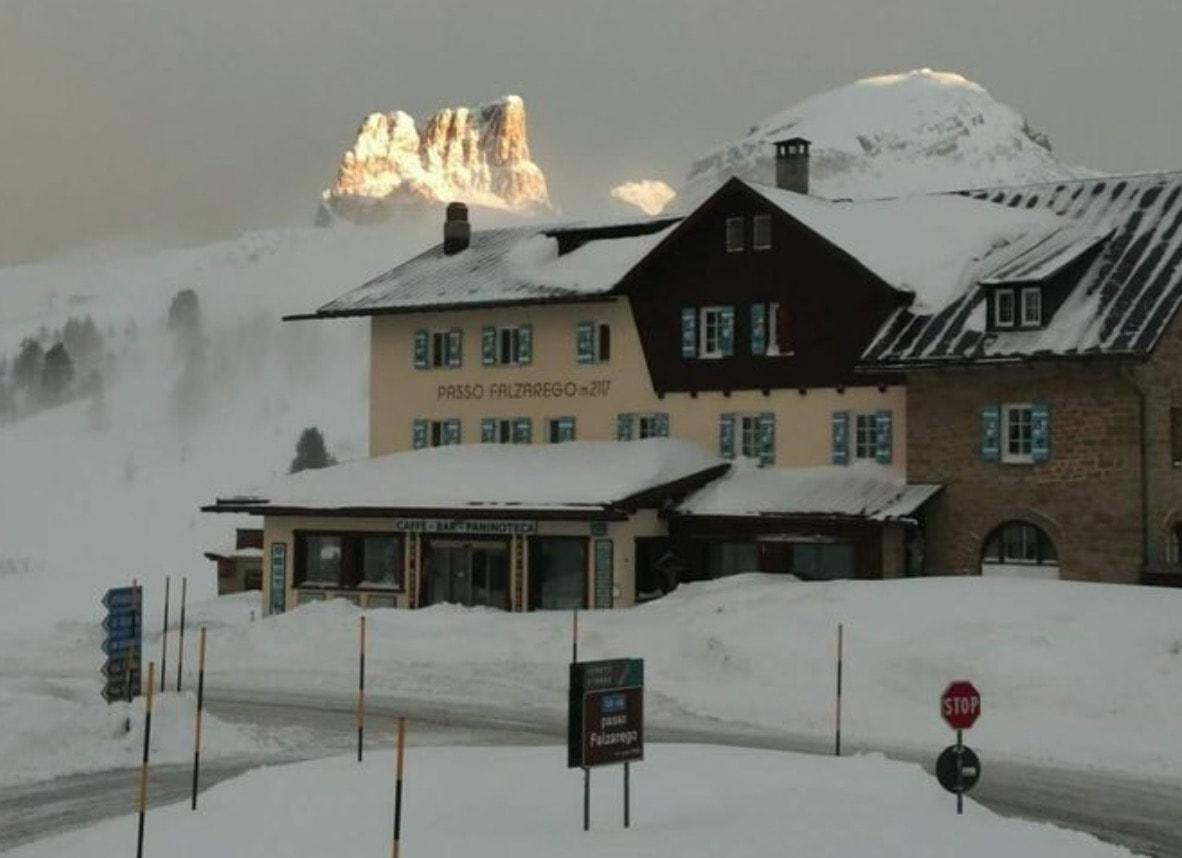Neve a cortina turisti senza catene bloccati e rimandati for Catene arredamento casa