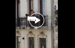 Buenos Aires, coppia focosa sul balcone: li riprendono e loro...