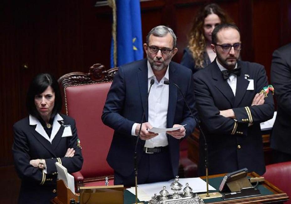 Roberto giachetti presiede la prima seduta alla camera ma for Votazioni alla camera